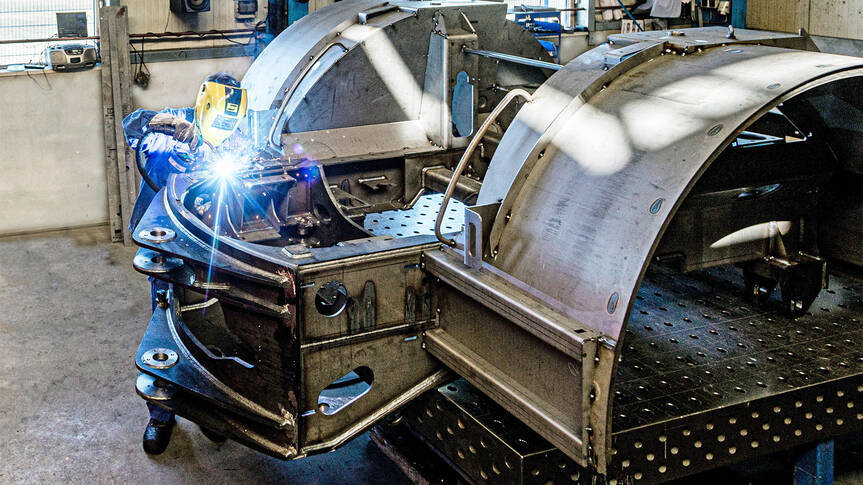 Particularly in the field of vehicle construction, the welding together of sheet metal parts to create assemblies requires a great deal of experience and expertise on materials.